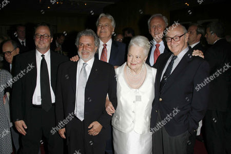 David Ladd, Sid Ganis, Robert Osborne, Olivia de Havilland and husband with Samuel Goldwyn Jnr