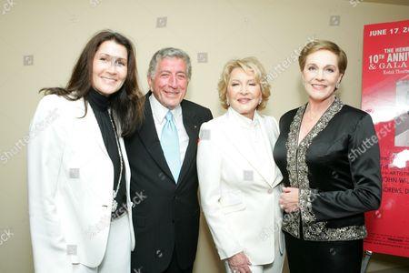 Monica Mancini, Tony Bennett, Ginny Mancini and Julie Andrews