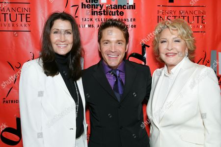 Monica Mancini, Dave Koz and Ginny Mancini