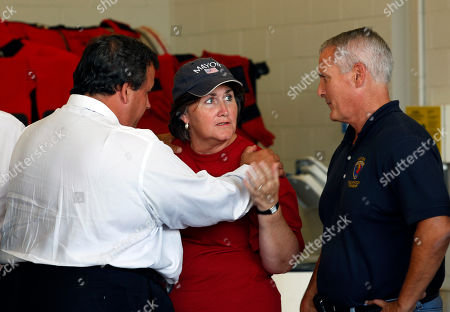 Chris Christie, Kathleen Cole, Rich Phelan New Jersey Gov. Chris Christie, left, talks to Pompton Lakes Mayor Kathleen Cole and Pequannock Mayor Rich Phelan, right, in Lincoln Park, N.J., as Christie and Department of Homeland Security Secretary Janet Napolitano tour some of the northern New Jersey areas flooded by Hurricane irene