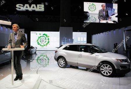 Victor Muller Victor Muller, CEO of Saab and Spyker Cars NV, talks about the new Saab's 9-4X crossover, right, and the outlook for Saab at the LA Auto Show in Los Angeles