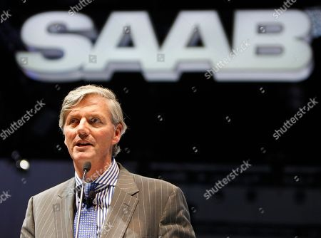 Victor Muller Victor Muller, CEO of Saab and Spyker Cars NV, talks about the new Saab's 9-4X crossover and the outlook for Saab at the LA Auto Show in Los Angeles