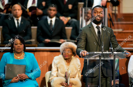 """David Oyelowo, Christine King Farris, Bernice King Actor David Oyelowo, who portrays the Rev. Martin Luther King Jr. in the movie """"Selma,"""" speaks at the King holiday commemorative service at Ebenezer Baptist Church, the church where King preached, as King's daughter Bernice King, far left, and sister Christine King Farris, left, look, in Atlanta"""