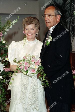 """Page Filiciotto Singer Patti Page, left, poses with her husband Jerry Filiciotto in Solana Beach, Ca., . Page is best known for her 1950 recording of """"Tennessee Waltz."""" Filiciotto is an aerospace consultant and a former president of Rohr Industries"""