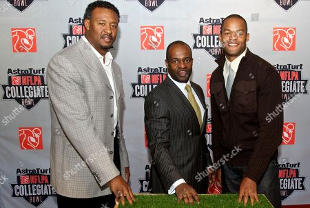 Willie McGinest, DeMaurice Smith, Matthew Hatchette DeMaurice Smith, center, executive director of the NFL Players Association, stands with NFL veterans Willie McGinest, left, and Matthew Hatchette in Carson, Calif., . They announced the AstroTurf NFLPA Collegiate Bowl, to be held Jan. 21, 2012, which will feature 100 top collegiate football players