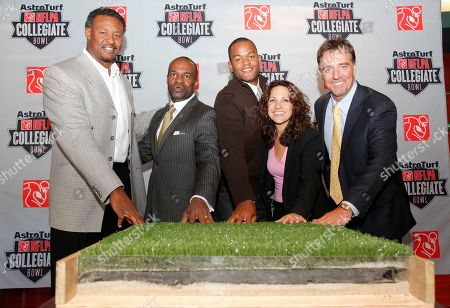 Willie McGinest, DeMaurice Smith, Matthew Hatchette, Katie Pandolfo, Bryan Peeples DeMaurice Smith, second from left, executive director of the NFL Players Association, with NFL veteran Willie McGinest, far left, NFL veteran Matthew Hatchette, center, Home Depot Center GM Katie Pandolfo, and AstroTurf's Bryan Peeples, far right, at a news conference announcing the AstroTurf NFLPA Collegiate Bowl at the Depot Center in Carson Calif., on