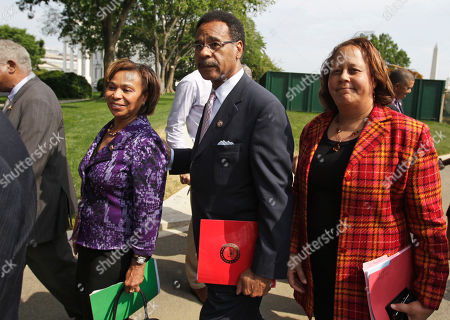 Emanuel Cleaver II, Laura Richardson, Barbara Lee From left Rep. Barbara Lee, D- Calif., Congressional Black Caucus Chairman Rep. Emanuel Cleaver II, D-Mo., and Rep. Laura Richardson, D-Calif., walk from the a news conference outside the White House in Washington, after a meeting between the CBC and President Barack Obama