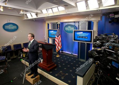 Gene B. Sperling Gene B. Sperling, director of the National Economic Council and assistant to the President for Economic Policy, speaks during a television interview, in the White House Brady Briefing Room in in Washington
