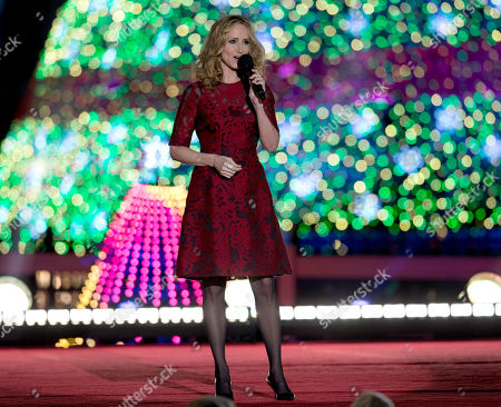 Chely Wright Chely Wright performs during the National Christmas Tree lighting ceremony at the Ellipse near the White House in Washington
