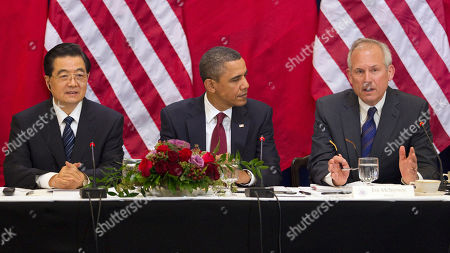 Hu Jintao, Barack Obama, Jim McNerney Boeing CEO Jim McNerney Jr., right, speaks during a meeting between President Barack Obama, China's President Hu Jintao, left, and business leaders, in the Eisenhower Executive Office Building on the White House complex in Washington