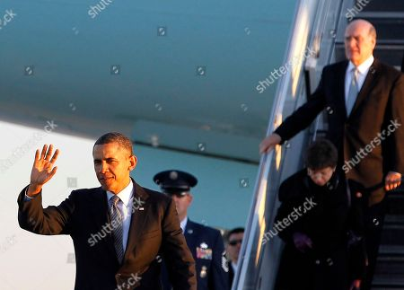 Barack Obama, Valerie Jarrett, William Daley President Barack Obama, followed by White House Senior Adviser Valerie Jarrett and outgoing White House Chief of Staff William Daley, walks toward a group of onlookers after arriving at Chicago's O'Hare International Airport