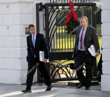 Timothy Geithner, Lawrence Summers Treasury Secretary Timothy Geithner, left, and National Economic Council Director Lawrence Summers, walk out the White House in Washington, and across Pennsylvania Ave., to the Blair House, for a scheduled working meeting with business leaders