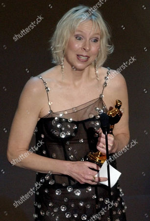 KERNOCHAN Sarah Kernochan accepts the Oscar for best documentary short subject for the film Thoth during the 74th annual Academy Awards, in Los Angeles