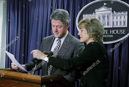 Bill Clinton, Dee-Dee Myers President Bill Clinton interupts Press Secretary Dee Dee Myers' final press briefing in the White House briefing room in Washington . The president surprised Myers by stopping by her daily briefing to thank her for her service