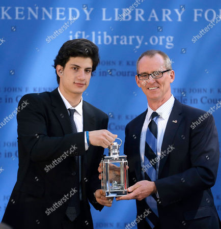 Jack Schlossberg, Bob Inglis Jack Schlossberg, left, grandson of for President John F. Kennedy, presents former U.S Rep. Bob Inglis, R-S.C., right, with the 2015 Profile in Courage Award, at the John F. Kennedy Library and Museum, in Boston. Inglis was awarded the prize for reversing his position on climate change