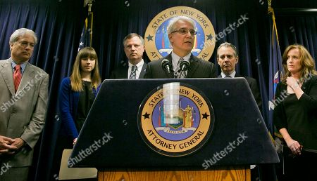 "George Gascon, Eric Schneiderman Citizens Crime Commission of New York president Richard Aborn, far left, Annie Palazzolo, second from left, and her father Paul Boke, third from left, New York Attorney General Eric Schneiderman, second from right and Nassau County, N.Y. Distrct Attorney Kathleen Rice, far right, listens as San Francisco District Attorney George Gascon speaks about using technology to avert smartphone theft during a press conference, in New York. Palazzolo, 29, also spoke about her sister who was killed for her cellphone. San Francisco's top prosecutor said Monday Samsung Electronics, the world's largest mobile phone manufacturer, has proposed making a ""kill switch"" that would render stolen or lost phones inoperable a standard feature, but the nation's biggest carriers have rejected the idea"