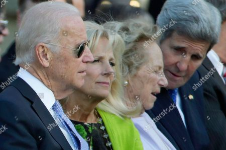 Joe Biden, Jill Biden, Ethel Kennedy, John Kerry From left, Vice President Joe Biden, Jill Biden, Ethel Kennedy and Secretary of State John Kerry, wait for the arrival of Pope Francis before the state arrival ceremony on the South Lawn of the White House in Washington