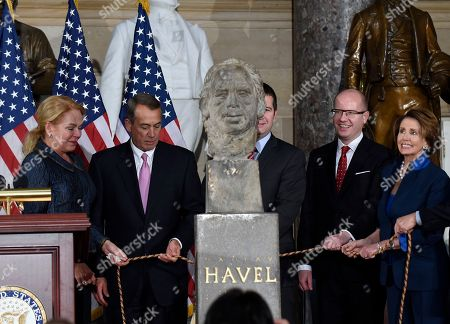 Dagmar Havlova, John Boehner, Jan Hamacek, Bohuslav Sobotka, Nancy Pelosi House Speaker John Boehner of Ohio, second from left, stands next to Dagmar Havlova widow of Vaclav Havel, the first president of the Czech Republic, as they unveil and dedicate a bust of Havel in National Statuary Hall on Capitol Hill in Washington, . From left are, Havlova, Boehner, Czech Parliament lower house Speaker Jan Hamacek, Czech Republic Prime Minister Bohuslav Sobotka and House Minority Leader Nancy Pelosi of Calif