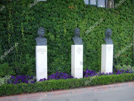 Statues of Angela Mortimer, Ann Haydon Jones and Virginia Wade