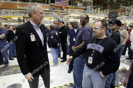 Jim McNerney Jr Boeing Co. CEO Jim McNerney Jr., left, greets workers at a rally at Boeing Co.'s 767 assembly plant, in Everett, Wash. The rally was held to celebrate Boeing winning a $35 billion Air Force contract for a new aerial tanker fleet