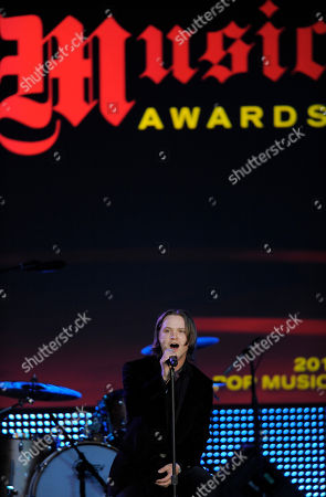 """Josh Kear Songwriter Josh Kear performs his song """"Need You Know"""" during the 28th Annual ASCAP Pop Music Awards, in Los Angeles. The song was a hit for the band Lady Antebellum"""