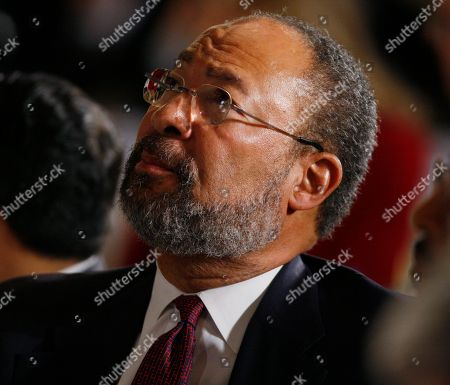 Dick Parsons Citigroup chief executive officer Richard Parsons listens as President Barack Obama, not pictured, addresses Business Roundtable, an association of chief executive officers of leading U.S. companies, at a hotel in Washington