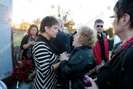 Nancy Jones Nancy Jones, widow of country music star George Jones, left, talks with a fan at the unveiling of the grave marker and memorial for the late singer, in Nashville, Tenn. George Jones died April 26