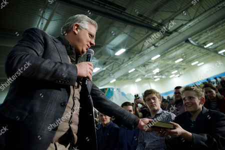 Ted Cruz, Glenn Beck Commentator Glenn Beck, at left, gives a copy of Don Quijote to a supporter at a rally for Republican presidential candidate, Sen. Ted Cruz, R-Texas, in Reno, Nev
