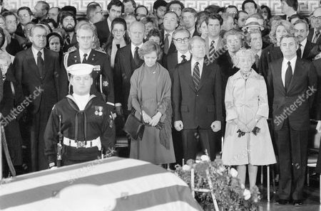 Jimmy Carter, Rosalynn Carter, Muriel Humphrey, Richard Nixon, Tricia Nixon Cox, Gerald Ford, Nelson Rockefeller, Happy Rockefeller The casket containing the remains of Sen. Hubert H. Humphrey is in foreground at the Capitol rotunda in Washington, during a service for him. President Jimmy arter stands with Mrs. Muriel Humphrey, right, and First Lady Rosalynn Carter. Those identifiable starting from left are: Former President Richard Nixon, Tricia Nixon Cox; Former President Gerald R. Ford, standing behind Mrs. Carter; Former Vice President Nelson A. Rockefeller; and Happy Rockefeller