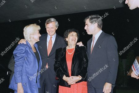 Michael Dukakis, Alan Alda, Arlene Alda, Olympia Dukakis Democratic presidential candidate Michael Dukakis, right, chats with actor Alan Alda and his wife Arlene and Dukakis? cousin, actress Olympia Dukakis during a fund-raising dinner in Teaneck, New Jersey