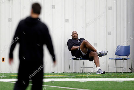 Ozzie Newsome Baltimore Ravens general manager and executive vice president Ozzie Newsome watches NFL football practice, in Owings Mills, Md. The Ravens will travel to Pittsburgh for a wild-card game against the Steelers on Saturday