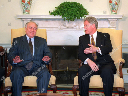 Bill Clinton, Viktor Chernomyrdin President Clinton sits with Russian Prime Minister Viktor Chernomyrdin during a meeting in the Oval Office of the White House. Viktor Chernomyrdin, who served as Russia's prime minister in the turbulent 1990s as the country was throwing off communism and developing as a market economy, died . He was 72