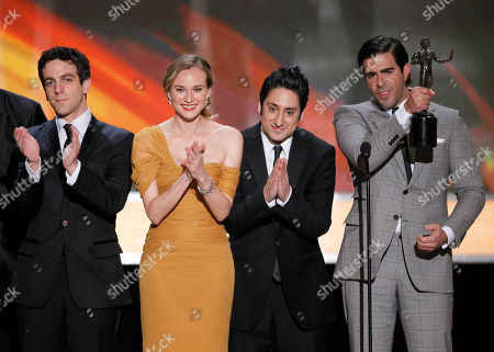 "B.J. Novak, Diane Kruger, Omar Doom, Eli Roth From left, B.J. Novak, Diane Kruger, Omar Doom, and Eli Roth, accept the award for best cast of a movie for ""Inglourious Basterds"" from George Clooney, second from left, at the 16th Annual Screen Actors Guild Awards, in Los Angeles"