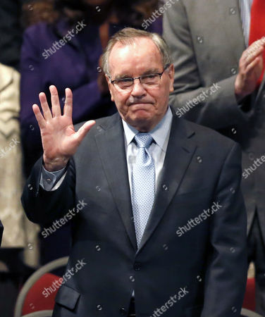 Richard M. Daley Former Chicago mayor Richard M. Daley acknowledges the crowd's applause as he arrives for city government inaugural ceremonies, in Chicago. In addition to Mayor Rahm Emanuel, who begins his second term, 50 alderman, the city clerk and treasurer were inaugurated
