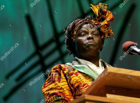 WANGARI MAATHAI Wangari Maathai, 2004 Nobel Peace Prize laureate, speaks during the Nobel Peace Prize Forum, at Luther College in Decorah, Iowa. Organizers say the purpose of the forum is to give recognition to Norway's international peace efforts and to offer opportunities for Nobel Peace Prize laureates, diplomats, scholars, and the general public to share in dialogue on the dynamics of peacemaking and the underlying causes of conflict and war. Dr. Geir Lundestad, director of the Norwegian Nobel Institute, right, looks on