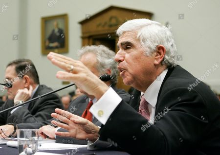 """Mel Karmazin Sirius Satellite Radio CEO Mel Karmazin, testifies before the House Judiciary Committee Antitrust Task Force during a hearing on the """"competition and the future of digital music"""" on Capitol Hill, in Washington"""