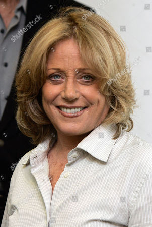 """Lesley Gore Singer Lesley Gore at Sirius Satellite Radio studios in New York, . Sirius renewed its exclusive """"multi-year"""" contract with radio personality Bruce Morrow who will continue to host """"Cousin Brucie's Saturday Night Party"""" as well as """"Rockin' with the Cuz"""" on Wednesdays"""
