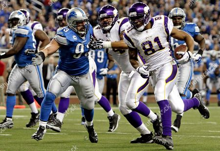 Visanthe Shiancoe Minnesota Vikings tight end Visanthe Shiancoe (81) scores on a 7-yard touchdown reception against the Detroit Lions in the first quarter of an NFL football game in Detroit