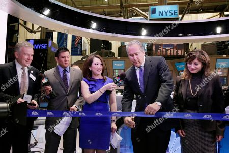 Mark Hoffman, Duncan Niederauer, Carl Quintanilla, Melissa Lee, Maria Bartiromo Mark Hoffman, second from right, president of CNBC, cuts the ribbon for the inaugural broadcast from CNBC's new studio on the floor of the New York Stock Exchange, . Accompanying Hoffman are, from left: NYSE CEO Duncan Niederauer, CNBC personalities, Carl Quintanilla, Melissa Lee, and Maria Bartiromo, right