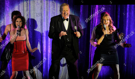 """Stock Photo of Ken Howard, Lea Thompson, Jean Louisa Kelly From left, Jean Louisa Kelly, Ken Howard and Lea Thompson perform during a tribute to Cole Porter at the 19th annual """"A Night at Sardi's"""" fundraiser benefitting the Alzheimer's Association"""
