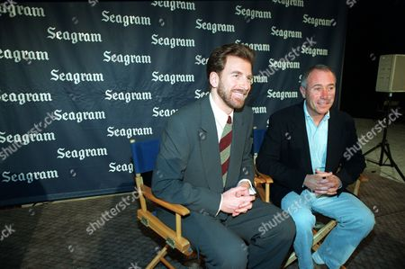Bronfman Geffen Edgar Bronfman Jr., president and chief executive officer of the Seagram Co. Ltd., left, and David Geffen, co-creator of DreamWorks, meet for a photo session at MCA's Universal Studios in Universal City, Ca., . The Seagram Co. Ltd., which owns most of MCA Inc., won key distribution rights to the new DreamWorks studio's movies, home videos and music