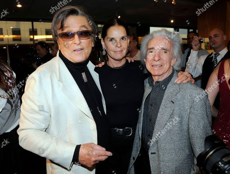 Robert Evans, Ali MacGraw, Arthur Hiller Producer and former Paramount Studios chief Robert Evans, left, poses with actress Ali MacGraw and director Arthur Hiller during a tribute to the career of Evans by the Academy of Motion Picture Arts and Sciences, in Beverly Hills, Calif