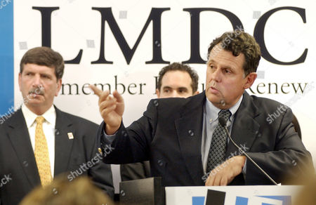 BETTS TOMSON Roland Betts, right, board member of the Lower Manhattan Development Corp. and head of the site plan working group for the World Trade Center site, acknowledges a question during a New York news conference, . At left is Lou Tomson, president of the LMDC