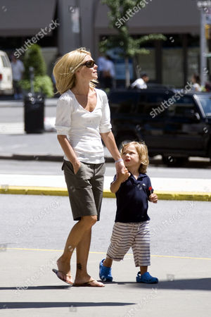 Kelly Ripa and son Joaquin Consuelos visit 'Big Pleasure Point' by Artist Nancy Rubins