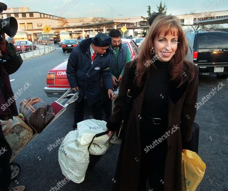 JONES Paula Jones prepares to leave Washington, Sunday evening, at Washington National Airport. Jones spent nearly six hours Saturday watching President Clinton testify under oath in a sexual harrassment suit brought against him by Jones