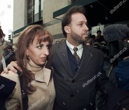 JONES Paula Jones and her husband Stephen Jones arrive at the offices of President Clinton's personal attorney, Robert Bennett, in Washinton. Clinton and Jones were meeting as the president faced unprecedented questioning by her lawyers, under oath, about her accusation that he asked her for sex seven years ago