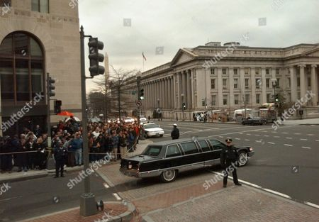 CLINTON President Clinton's limousine leaves the office of his personal attorney, Robert Bennett, in Washington. President Clinton and Paula Jones were meeting today as the president faced unprecedented questioning by her lawyers, under oath, about her sexual harassment accusation