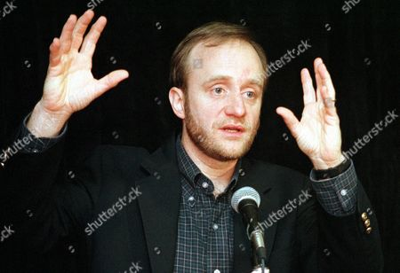 BEGALA Paul Begala, counselor to President Clinton, speaks to Democratic donors saying that the White House sex scandal has ''entered a new phase'' as questions arise over independent counsel Kenneth Starr's handling of the probe of the president's sex life at the group's winter retreat in Miami Beach, Fla