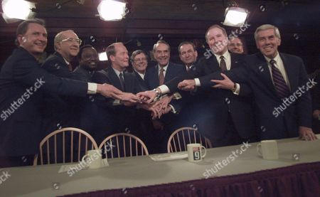 LUGAR Republican candidates join hands after a televised Republican presidential candidate forum at the studios of WMUR-TV 9 in Manchester, N.H., . From left are U.S. Sen. Arlen Specter (R-PA), U.S. Sen. Phil Gramm (R-TX), Alan Keyes, former Tenn. Gov. Lamar Alexander, Stephen Forbes, U.S. Sen. Robert Dole (R-KS), Pat Buchanan, U.S. Rep. Robert Dornan, Morrey Taylor and U.S. Sen. Richard Lugar (R-IN