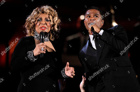 Roberta Flack, Maxwell Roberta Flack, left, and Maxwell perform at the Grammy Awards, in Los Angeles
